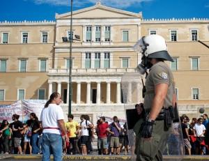 Protest vor dem griechischen Parlamentsgebäude in Athen am 22. September 2011