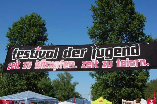 Festival der Jugend 2012: Zeit zu feiern, Zeit zu kämpfen! Nazifreie Zonen schaffen!