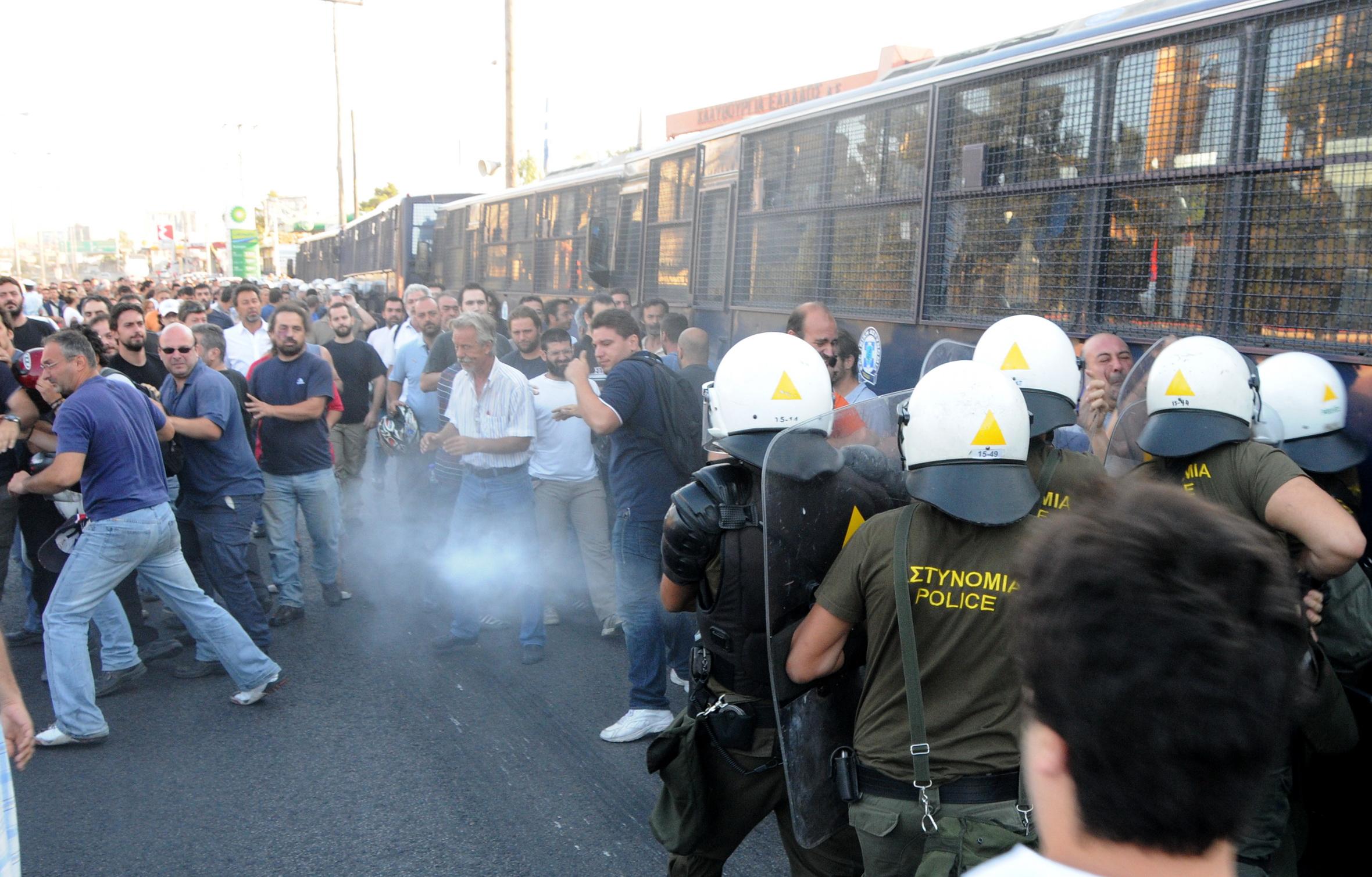Solidarität mit den streikenden Stahlarbeitern in Griechenland!