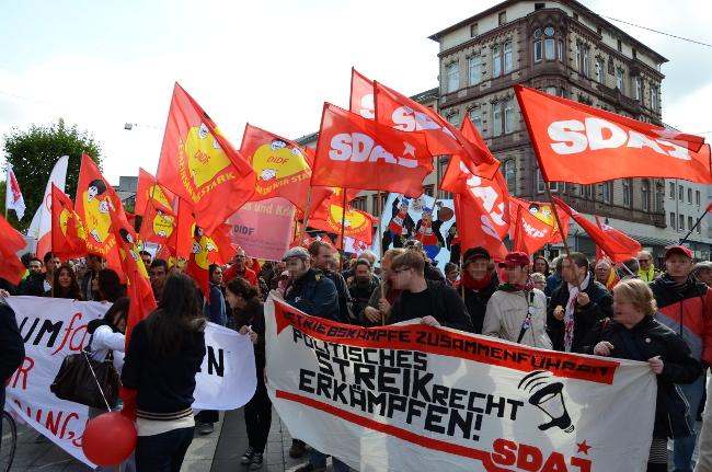 Bochum: 6000 beim UmFAIRteilen-Aktionstag auf der Straße