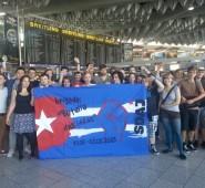 """Die Brigade """"Batalla de ideas"""" am Flughafen Frankfurt"""