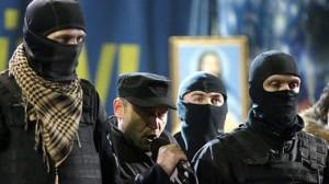 """""""Die nationale Revolution geht weiter"""", so der Faschistenführer Dmitri Jarosch vom """"Rechten Block"""" am Freitagabend auf dem Maidan in Kiew"""