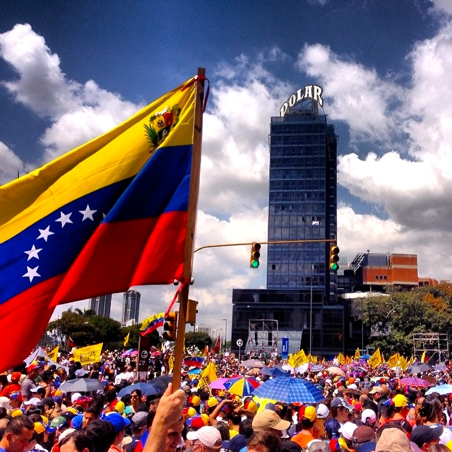 Solidarität mit Venezuela! Stoppt die rechten Aggressoren!