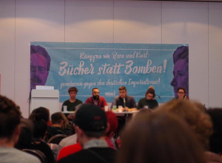 Kämpfen wie Rosa und Karl – Zehntausende demonstrieren gegen Krieg und Kapitalismus