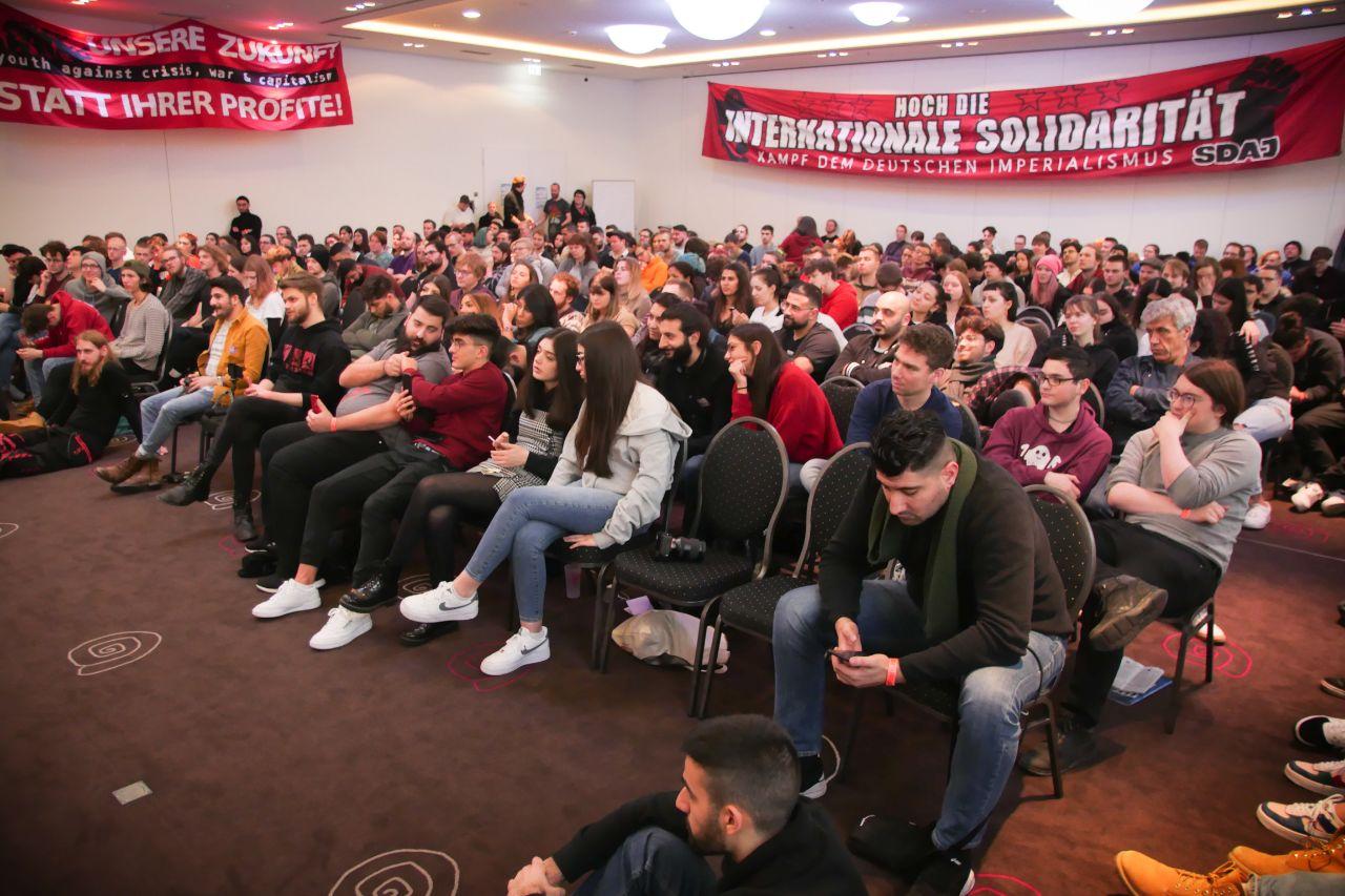 Zehntausende in Berlin gegen Sozialabbau, Kriegspolitik und Kapitalismus!