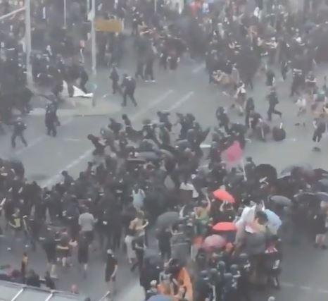 Tag der Freiheit? Rechte Demonstration durch Berlin-Mitte